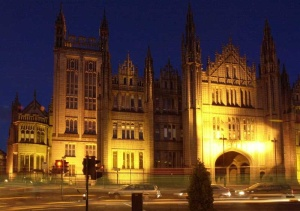 The Marischal College at night! Photo courtesy Wikipedia.