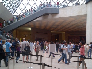 I wasn't the only one visiting that day! See the human traffic, for the first time, I felt proud to be part of a statistic- 1 in the 8 million plus who visited the Louvre in 2013! Lol!