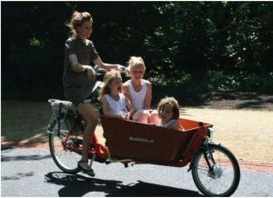 The Famous bakefiets….a mother's best bike