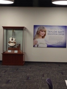 I'll do a separate post dedicated to the Country Music Hall of Fame, but thought to show you a room donated by Taylor Swift… I am not quite sure what goes on here, the door was closed, but looks like children go to learn music in there (my conclusion from the post-its and decor)