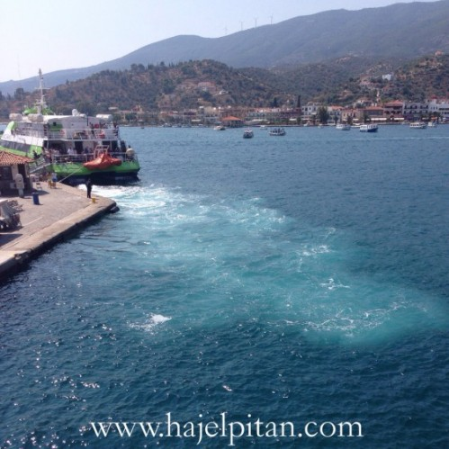 As we docked at Poros, I noticed the beautiful ripple caused by another docking boat!