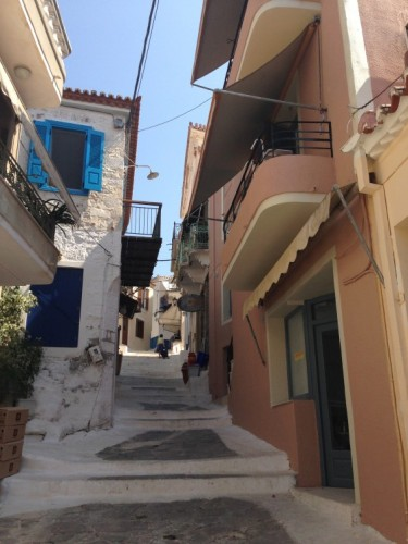 The steps and white washed buildings! Deep breath! Greece did not disappoint, everywhere you went, Greece was Greek!