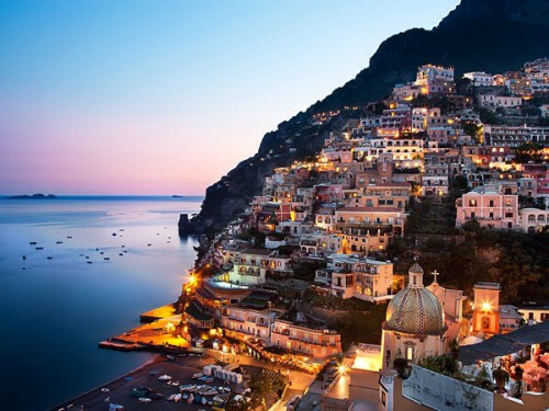 ITALY / Campania / Costiera Amalfitana / Positano / Hotel Le Sirenuse ( right ) and the village
